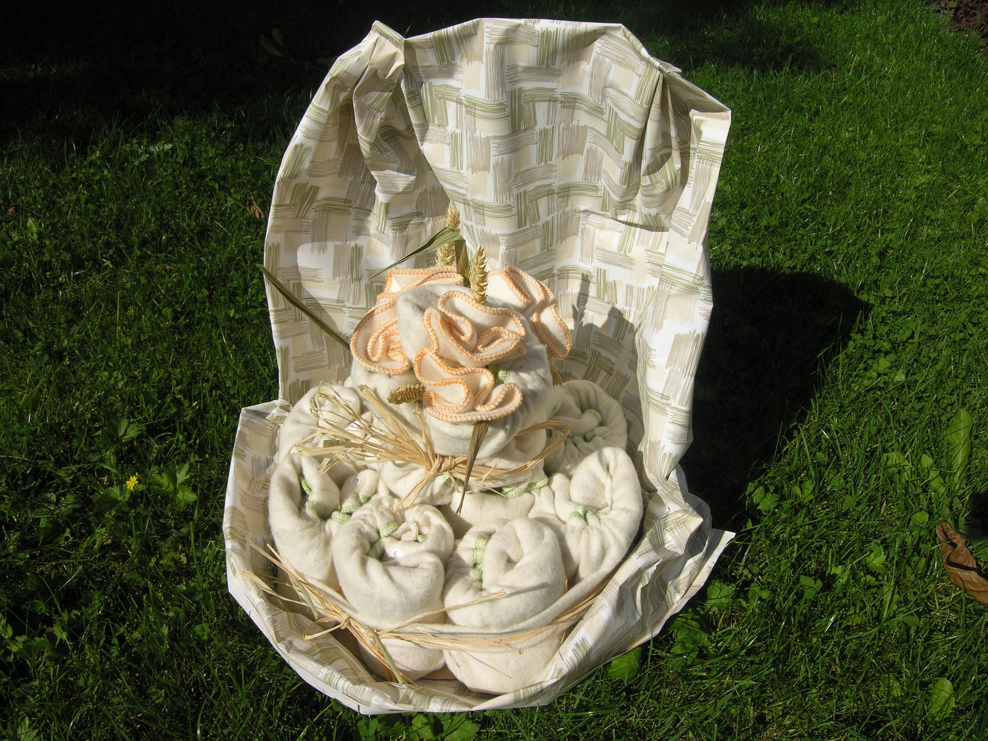G teau de couches lavables grand mod le taille s 3 7kg - Que mettre dans un gateau de couche ...